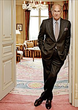 Crushed. Ledgendary Fashion Designer, Oscar de la Renta dies at82.